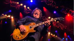 - httpsi - Gary Moore – Parsienne Walkways  Live Montreux 2010..RIP…the last and the best version    RIP Gary