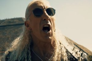 - deesniderforthelovevid 638 300x200 - Video Premiere: DEE SNIDER's 'For The Love Of Metal'