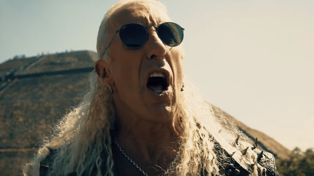 - deesniderforthelovevid 638 - Video Premiere: DEE SNIDER's 'For The Love Of Metal'
