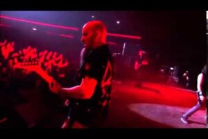 - httpsi - Anthrax – Raining Blood (Live Chile on Hell)